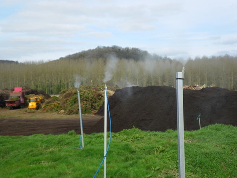 Mât de pulvérisation pour neutraliser les odeurs sur une plate forme de compostage par Natural Tech
